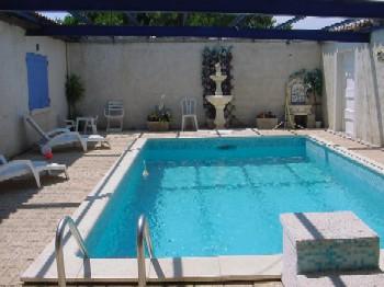 location vacances maison piscine beaucaire arles nimes gard languedoc. Black Bedroom Furniture Sets. Home Design Ideas