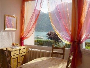 location vacances bredannaz annecy haute savoie alpes. Black Bedroom Furniture Sets. Home Design Ideas