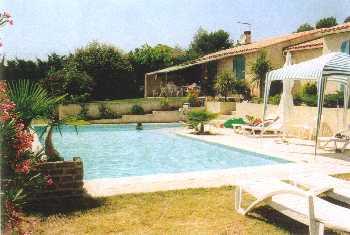 location villa villaure perthuis vaucluse. Black Bedroom Furniture Sets. Home Design Ideas