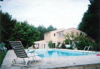 location villa menerbes avignon vaucluse provence. Black Bedroom Furniture Sets. Home Design Ideas