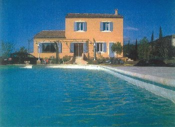 location vacances villa cheval blanc cavaillon vaucluse provence. Black Bedroom Furniture Sets. Home Design Ideas