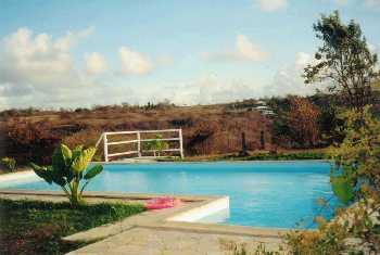 Villa appartement sainte anne martinique antilles for Bungalow martinique avec piscine pas cher
