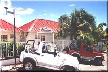 Location de vacances bungalow sainte anne martinique antilles for Bungalow martinique avec piscine pas cher