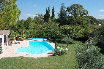 location vacances villa pernes les fontaines luberon vaucluse. Black Bedroom Furniture Sets. Home Design Ideas
